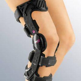 Жесткий регулируемый коленный ортез для стабилизации передней крестообразной связки колена M.4s ACL
