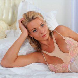 Валик ортопедический для сна на груди